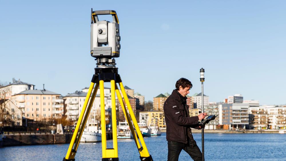 Trimble-S7-Total-Station-3